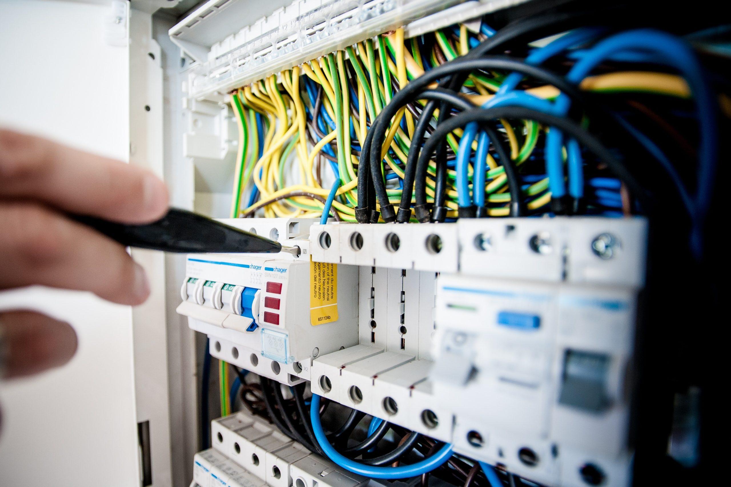 diagnostic électricité, vue d'un tableau électrique Poitou Diagnostic